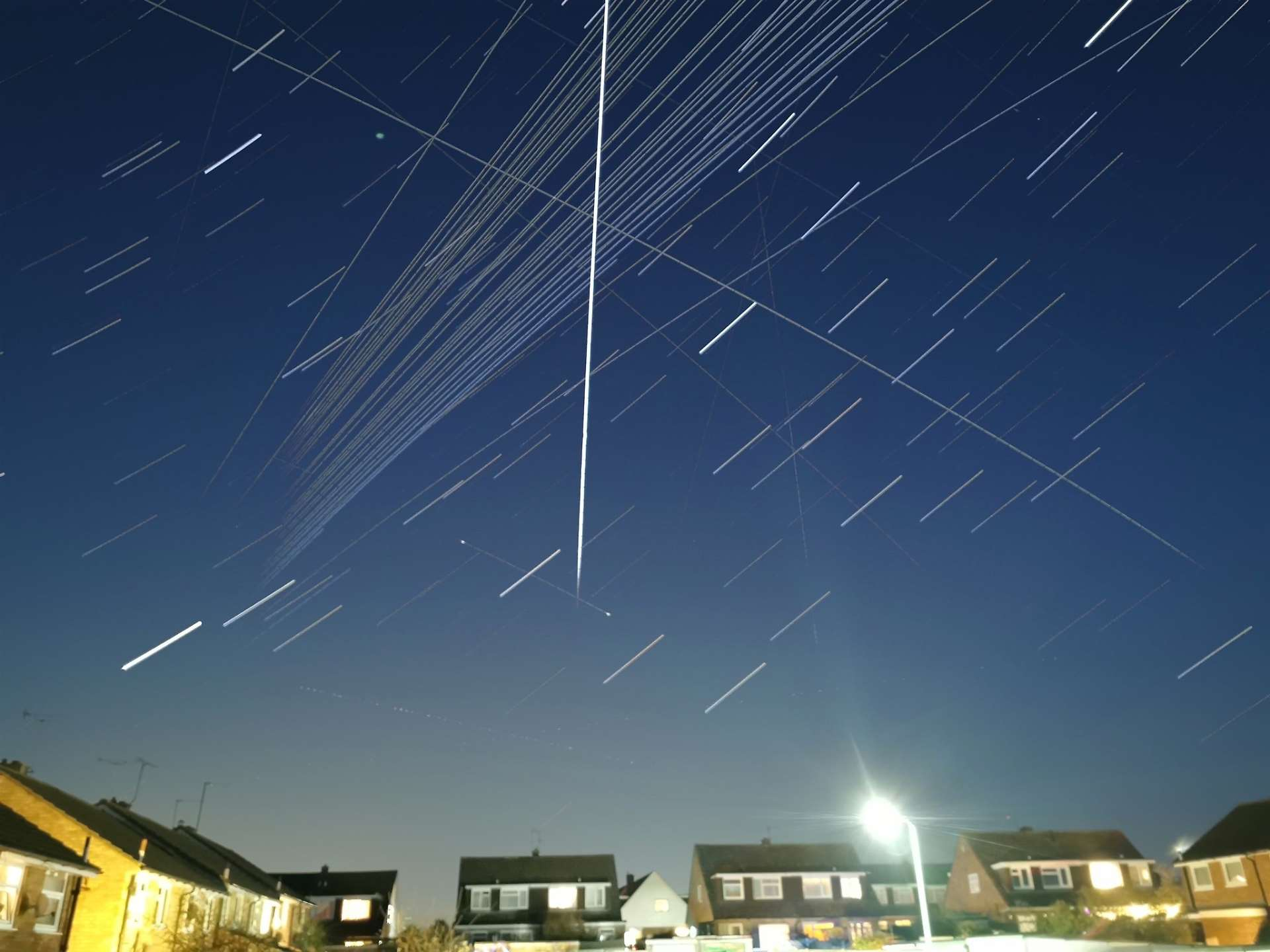 Amateur Thatcham astronomer Tim Burgess captured busy nighttime sky in 2020