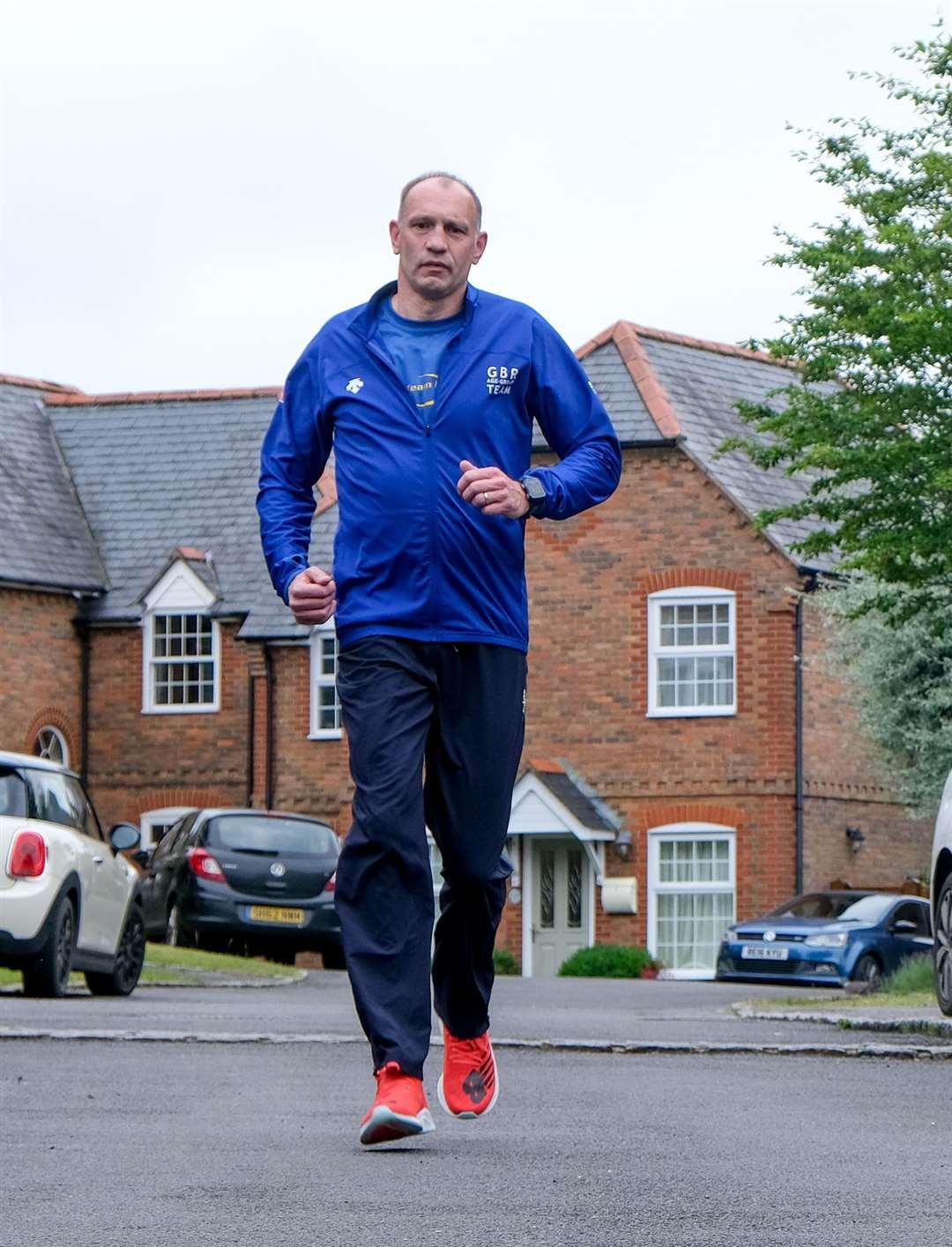Gavin McLaughlin in training for the triathlon next month.  Ref: 25-0321